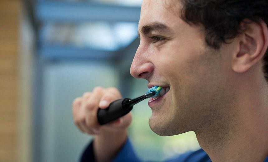 7 Best Electric Toothbrushes for Receding Gums to Prevent the Problem
