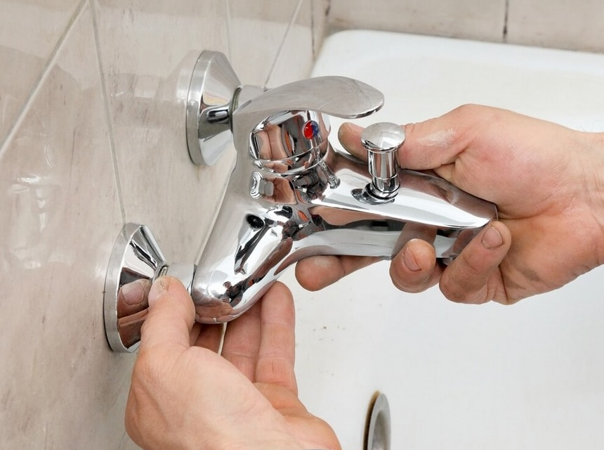 How to Fix a Leaky Bathtub Faucet: DIY Guide